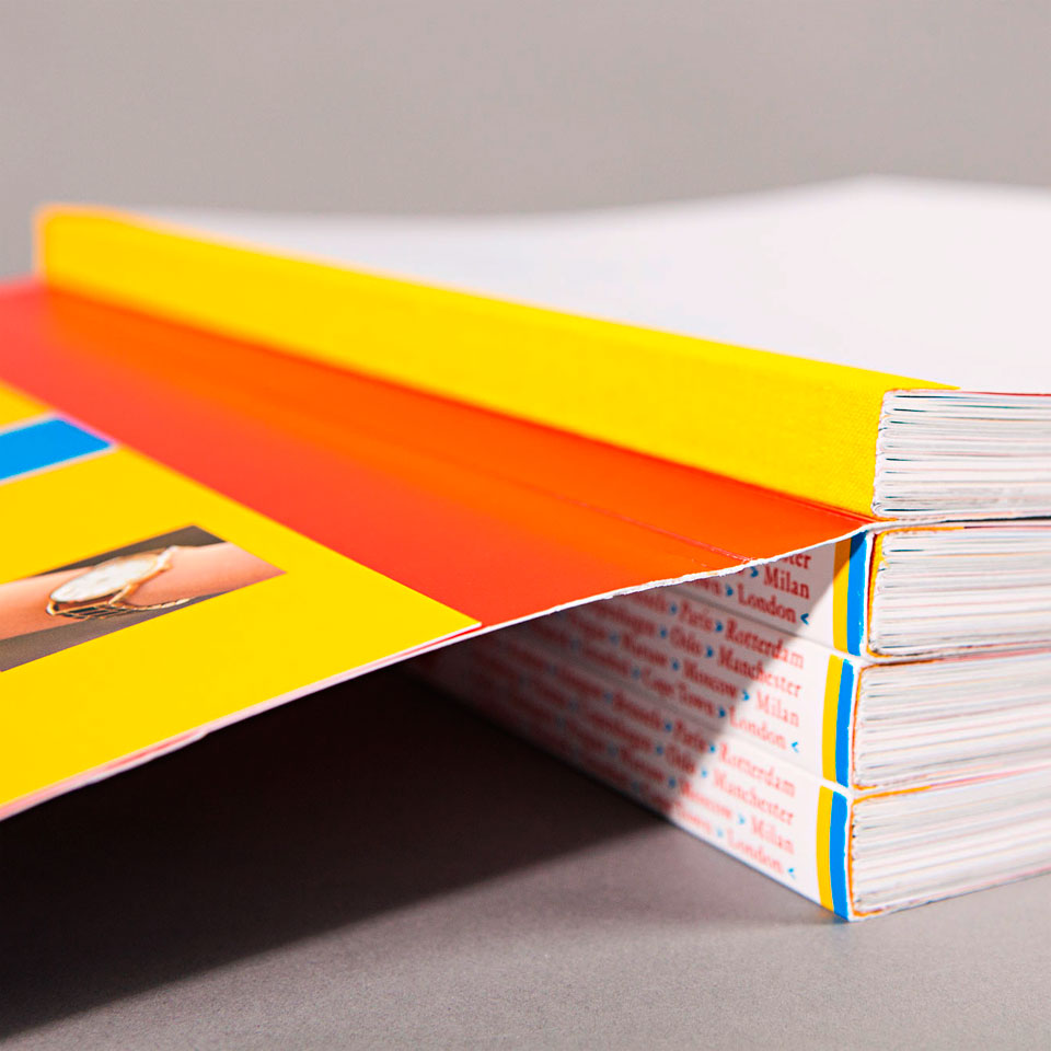 Project 435>22>1: My favourite place in my city - Swiss binding - Project concept, coordination & graphic design Erik Cox